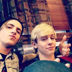 Rocky doing the smoulder... LOL AND ROSS' FACE