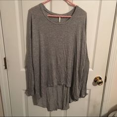 •Gray High-low Top• This gray high-low top is very lightweight! Not too hot, not too cold. Very flowy. Perfect for Fall. It has fluorescent yellow, sequin elbow patches which gives it lots of spunk!! Worn twice. Excellent condition!  Sage Tops