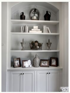 Traditional Family Room Built In Bookcase Design, Pictures, Remodel, Decor and Ideas - page 8 Living Room Built Ins, Living Room Shelves, Home Living Room, Living Room Decor, Alcove Ideas Living Room, Room Ideas, Dining Room, Apartment Living, Built In Bookcase