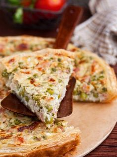 Κις με ανοιξιάτικα λαχανικά - www.olivemagazine.gr Savory Tart, Tart Recipes, Frittata, Starters, Sandwiches, Good Food, Health Fitness, Herbs, Nutrition
