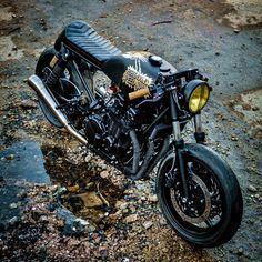 combustible-contraptions:Honda 750 Cafe Brat #motorcycles #caferacer #motos | caferacerpasion.com