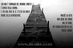 Gibran - Chi non è compagno .. Sapersi amare..... Per me questa e' una citazione illuminante. Mi ha fatto comprendere tutto, ma capire non ti salva quasi mai!  #Gibran, #Amarsi, #accettarsi, #liosite, #citazioniItaliane, #frasibelle, #sensodellavita, #ItalianQuotes, #perledisaggezza, #perledacondividere, #GraphTag, #ImmaginiParlanti, #citazionifotografiche,