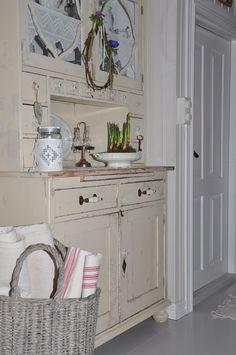Husmannsplassen i Hidlesundet: Bilder fra stuen