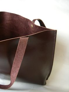 Hand-Stitched Medium Leather Tote (Chocolate Brown)