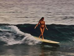 There's something about the effortless chic of surfer girl style that's hard to put your finger on. It's the bare feet, floaty dresses, and sun-kissed blonde surfer hair that spills from wide-brimmed…More Surfer Girls, Beach Aesthetic, Summer Aesthetic, Surf Mode, Surfergirl Style, Surfing Pictures, Lake Pictures, Waves, Summer Dream