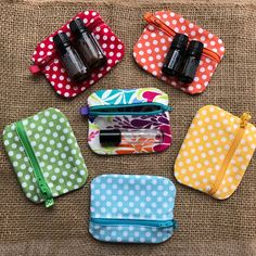Items similar to Essential Oils Roller Bottle Zip Pouch – Mini Dram Carry Bag – Ear Bud Zip Drive ID Case on Etsy – çanta – Tasche Sewing Hacks, Sewing Crafts, Sewing Projects, Bag Patterns To Sew, Sewing Patterns, Fabric Scraps, Carry Bag, Purses, Zip Drive