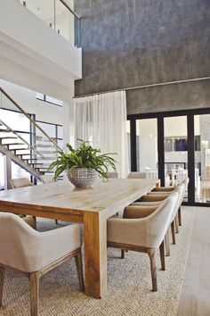 Situated on a game farm, this home blends in effortlessly with its surrounds. Dining Room Design, Dining Bench, Homes, Interior, Nature, Accessories, Furniture, Home Decor, Homemade Home Decor