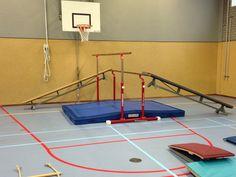 Loopbrug, Ideeën gymles kleutergym - Peutergym of ouder en kindgym Motor Activities, Activities For Kids, Kids Gym, Physical Education, Teaching, Sports, Workout, Physical Education Activities, Yoga For Kids