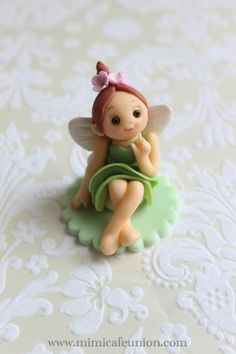 Fondant Fairy Doll Cupcake Toppers by mimicafe Union 3 Fondant Figures, Fondant Cake Toppers, Cupcake Cakes, Clay Figures, Cupcake Toppers, Fairy Garden Cake, Garden Cakes, Fairy Cakes, Fondant People