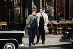J'ai vu tuer Ben Barka / Serge Le Péron (2005)  Espace Cinéma : F LEP J  Janvier 1966. Dans un meublé parisien, la police découvre le cadavre de Georges Figon, l'homme qui a fait éclater le scandale de l'affaire Ben Barka et ébranlé le pouvoir gaulliste. Un an plus tôt, Figon lassé des affaires douteuses et des escroqueries minables, était à la recherche d'un coup juteux.