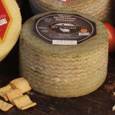 QUESOS EL CORDEL : El Cordel - Añejo 3,3 kg Tostadas, Queso Manchego, Dairy, Cheese, Food, Raw Milk, Meals, Yemek, Eten
