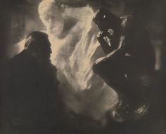 Edward Steichen - Rodin and The Thinker, 'Le Penseur,' Paris , 1902 Edward Steichen, Auguste Rodin, Alfred Stieglitz, Pablo Picasso, History Of Photography, Art Photography, Museum Photography, Monochrome Photography, Episches Theater