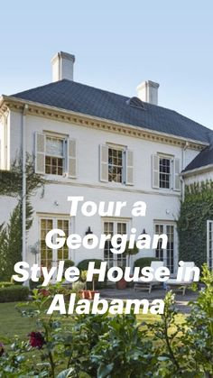 Georgian Style Homes, Sweet Home, Antebellum Homes, Vanity Decor, Beautiful Interior Design, French Country Style, White Houses, Interior Exterior, Garden Planters