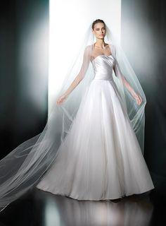 Pronovias - Plesana #whitegownstyle