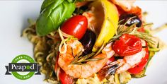 Grilled Mediterranean Shrimp and Zucchini Noodles in a Packet - Peas from the Pod. @jeanetteshealth #peasfromthepod