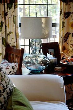 Vase to lamp. like the wine bottle idea but with a vase. Beautiful curves.