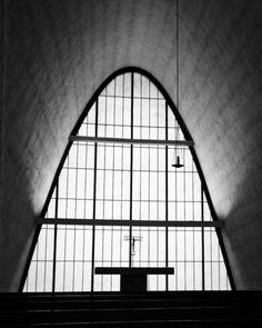 "HOK: Hellmuth, Obata and Kassabaum+Pier Luigi Nervi(as consultant) ""The Priory Chapel"" St. Louis, Missouri (Photo byRaimi..."