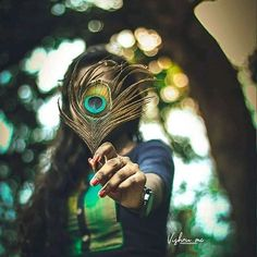 Outdoor Portrait Photography, Feather Photography, Dream Photography, Teenage Girl Photography, Couple Photography Poses, Girl Photography Poses, Diwali Photography, Photography Portfolio, Cute Girl Poses