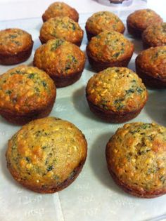 Super healthy and yummy Applesauce Kale Muffins. Kale is known as the healthiest vegetable ever!