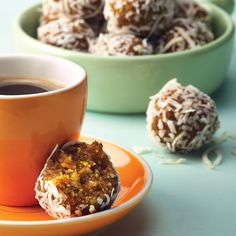 1 Soak dates in hot water for 30 minutes. 2 Process all ingredients, except coconut, in a food processor (including water from dates). 3 Roll into balls. Roll balls in coconut. Place balls in pa. Healthy Baking, Healthy Treats, Healthy Recipes, Healthy Food, Bliss Balls, Balls Recipe, Vegan Vegetarian, Great Recipes, A Food