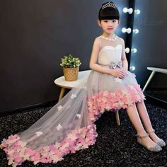 Magbridal Cute Tulle Jewel Neckline A-line Flower Girl Dresses With Handmade Flowers & Beadings Gowns For Girls, Tutus For Girls, Little Girl Dresses, Girls Party Dress, Baby Dress, Fall Flower Girl, Flower Dresses, Prom Dresses, Outfits Niños