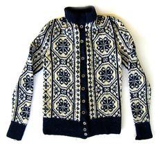 1940s / 1950s Nordic Handmade Wool Sweater Blue by bonesvintage, $45.00