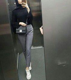 public health and & health psychology - I'm a girl writing an article. Modern Hijab Fashion, Street Hijab Fashion, Hijab Fashion Inspiration, Muslim Fashion, Fashion Outfits, Hijab Style, Casual Hijab Outfit, Hijab Chic, Ootd Hijab