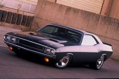 Black Dodge Challenger!!!!  WANT THIS CAR!!!!