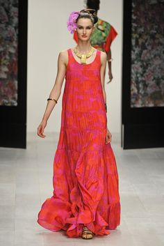 Issa London RTW Spring 2013 - Runway, Fashion Week, Reviews and Slideshows - WWD.com