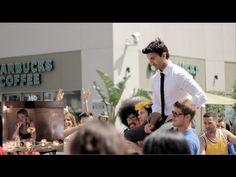 Justin and Emily, la bellissima proposta di matrimonio che ha ottenuto due milioni di visualizzazioni su Youtube.