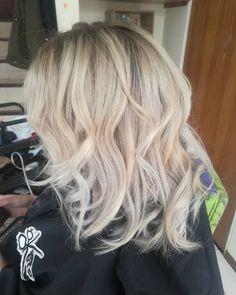 El  color que quieres el que sea lo ouedes optener en #pelukeroart  Escribenos y agendamos nuestra cita.      #pelukeroart #hairdresser #haircolor #whitehair #beauty #keropelukero #keroestilista