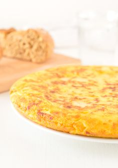 Tortilla (or Spanish Omelette) is a typical Spanish recipe, probably one of the most famous in our country. This is a vegan version, so delicious!
