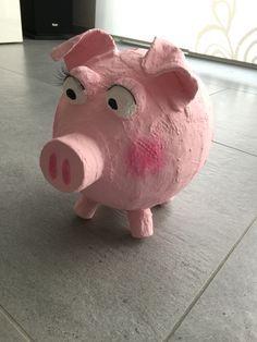 Schwein aus Ballon und Gipsbinden
