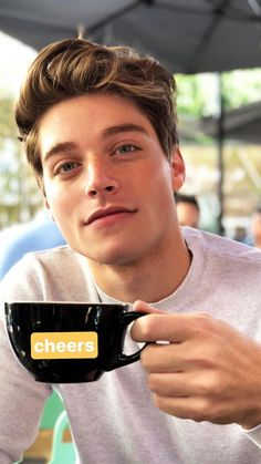 2 new Froy pics today. Lucky us!