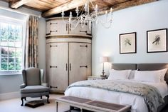 Grand Dédale, located close to Wellington at the foot of the Bainskloof Pass, invites its guests to an exclusive brand of elegant country house living. Walk In Closet Inspiration, Corner Closet, Corner Wardrobe, Master Bedroom, Bedroom Decor, Bedroom Ideas, Cape Dutch, Dutch House, Colonial Architecture