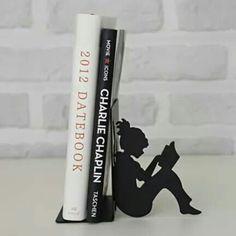Fermalibro bambina che legge