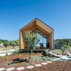 Portuguese Pentagon by Filipe Saraiva Architects See more great design at www.transfer.design #transfer #design #blog #architecture #portugal #timber #wood #archilovers See more great design at www.transfer.design