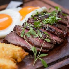 Every Monday at The Pen & Pencil there's a wonderful 50% off food! #manchester #mcr #steak #deal #bargain #food #foodie