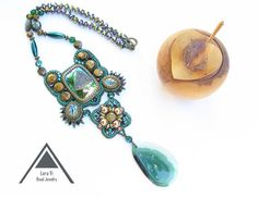 Green emerald  necklace agate pendant embroidered jewelry  necklace  Samarkand
