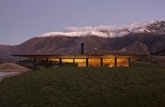 The Cool Hunter - Lake Wakatipu House, Queenstown - New Zealand Classical Architecture, Landscape Architecture, Architecture Design, Residential Architecture, Dormer Bungalow, Queenstown New Zealand, Lake Wakatipu, Grand Designs, Modern Landscaping