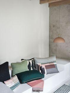 Quilt Cushion - Dark Green - 60 x 40 2