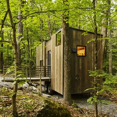 """Graduate students from Harvard University have launched a company that designs, builds and rents out wilderness micro cabins to urban residents """"looking to escape the digital grind and test drive tiny-house living"""" Tiny House Cabin, Tiny House Living, Small House Plans, Tiny Houses, Amazing Architecture, Modern Architecture, Boston Architecture, Boston House, Harvard Students"""
