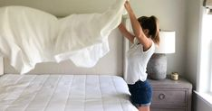 Learn my tried and true method - it's the best! Cleaning White Sheets, Bleach Bath, Vinegar Uses, Washing Soda, Distilled White Vinegar, Clothes Line, Shades Of Yellow, White Bedding, Duvet Sets