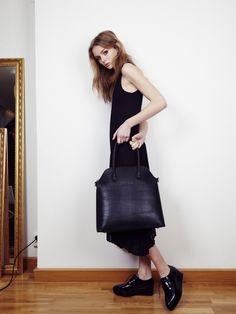 Vanessa Thiam väska hittar du hos www.lovelyhomebazaar.com