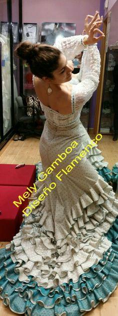 La Chimi, con diseño de Colín para bailar Guajira. En exclusiva de Mely Gamboa Diseño Flamenco.