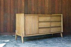 United Furniture Inc. Retro Vintage Modern Atomic Dresser Bureau 9 Drawer  Mid Century USA