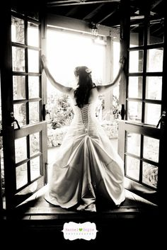 This is a beautiful picture of Bride!
