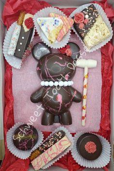 Chocolate Baileys, Pink Chocolate, Chocolate Bomb, Chocolate Molds, Melting Chocolate, Chocolate Pinata, Chocolate Crafts, Chocolate Covered Treats, Chocolate Dipped Oreos