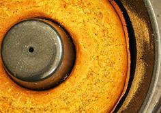 Este es otro quick bread, un pan rápido, se usa polvo de hornear y se eliminan los tiempos de levado, no se amasa, se cocina directamente en moldes y son una solución veloz y facil para obtener panes o cakes salados Sin Gluten.