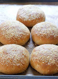 Verdens beste halvgrove hamburgerbrød - Soheilas oppskrifter Hamburger, Food And Drink, Baking, Bakken, Burgers, Backen, Sweets, Pastries, Roast